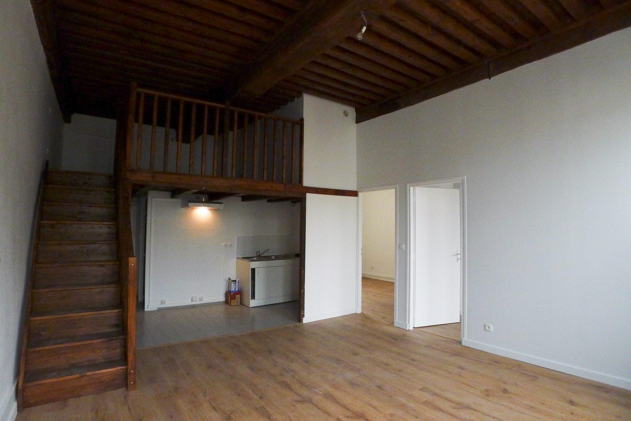 Appartement canut croix rousse ecoconfiance r novation for Renovation canut